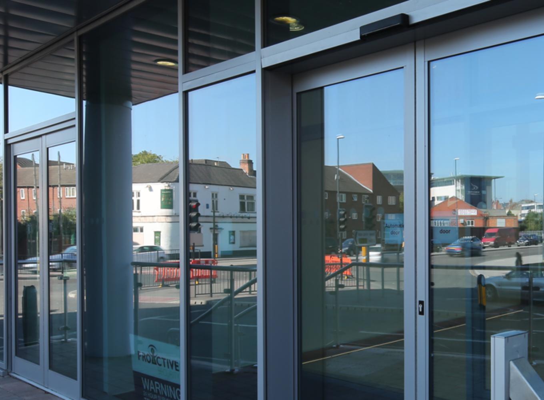 Shopfront Screens & Doors